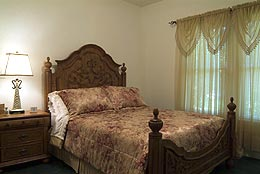 adams-st-gst-hse-bed-8829.jpg